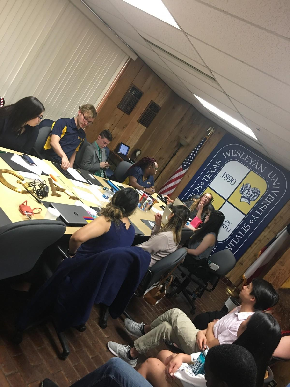 Hutchinson leads her first SGA meeting