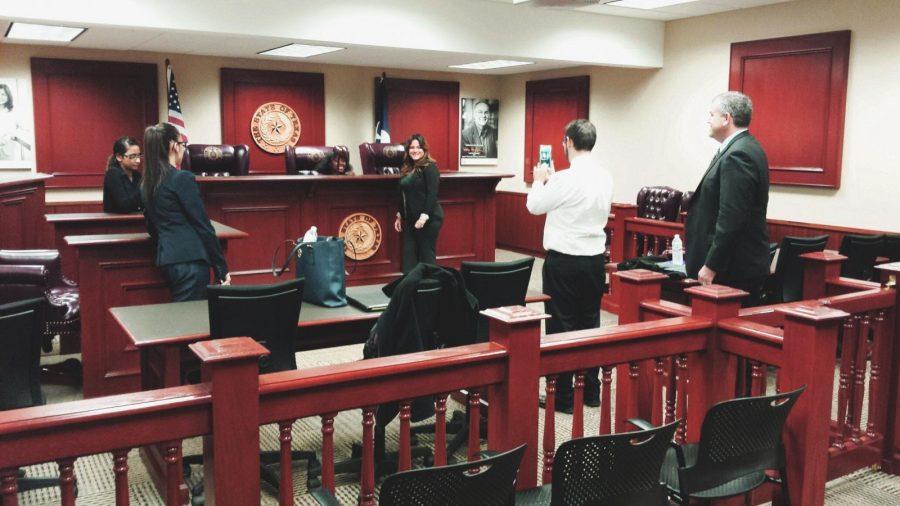 Mendez+works+for+courtroom