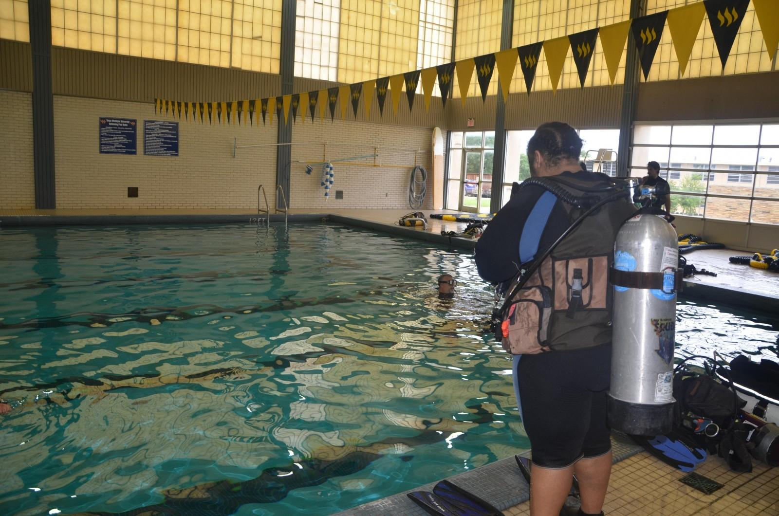 Two students earn minor in scuba diving