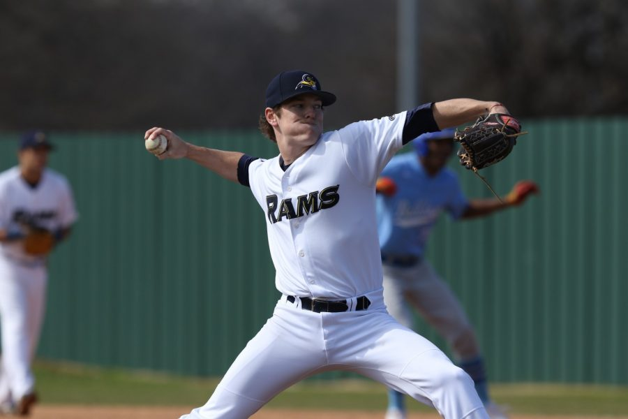 Stephen+Yancey+pitches+against+Bethany+College+in+the+season+opener+on+Feb.+3.+Photo+by+Little+Joe