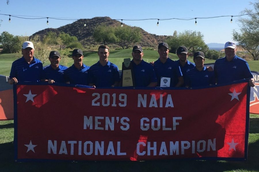 The mens team poses after winning the 2019 NAIA National Championship last week in Arizona.  Photo courtesy of ramsports.net