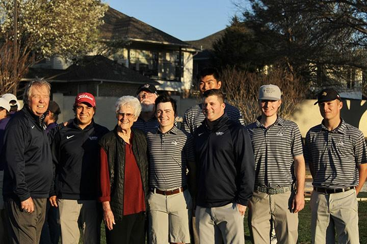 LPGA legend Kathy Whitworth poses with members of Texas Wesleyans mens golf team on Thursday. Photo by Lexi Barlow